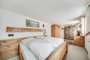 Schlafzimmer scaled